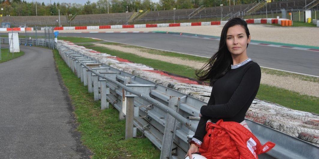 Posvetila se PR-u u motosportu